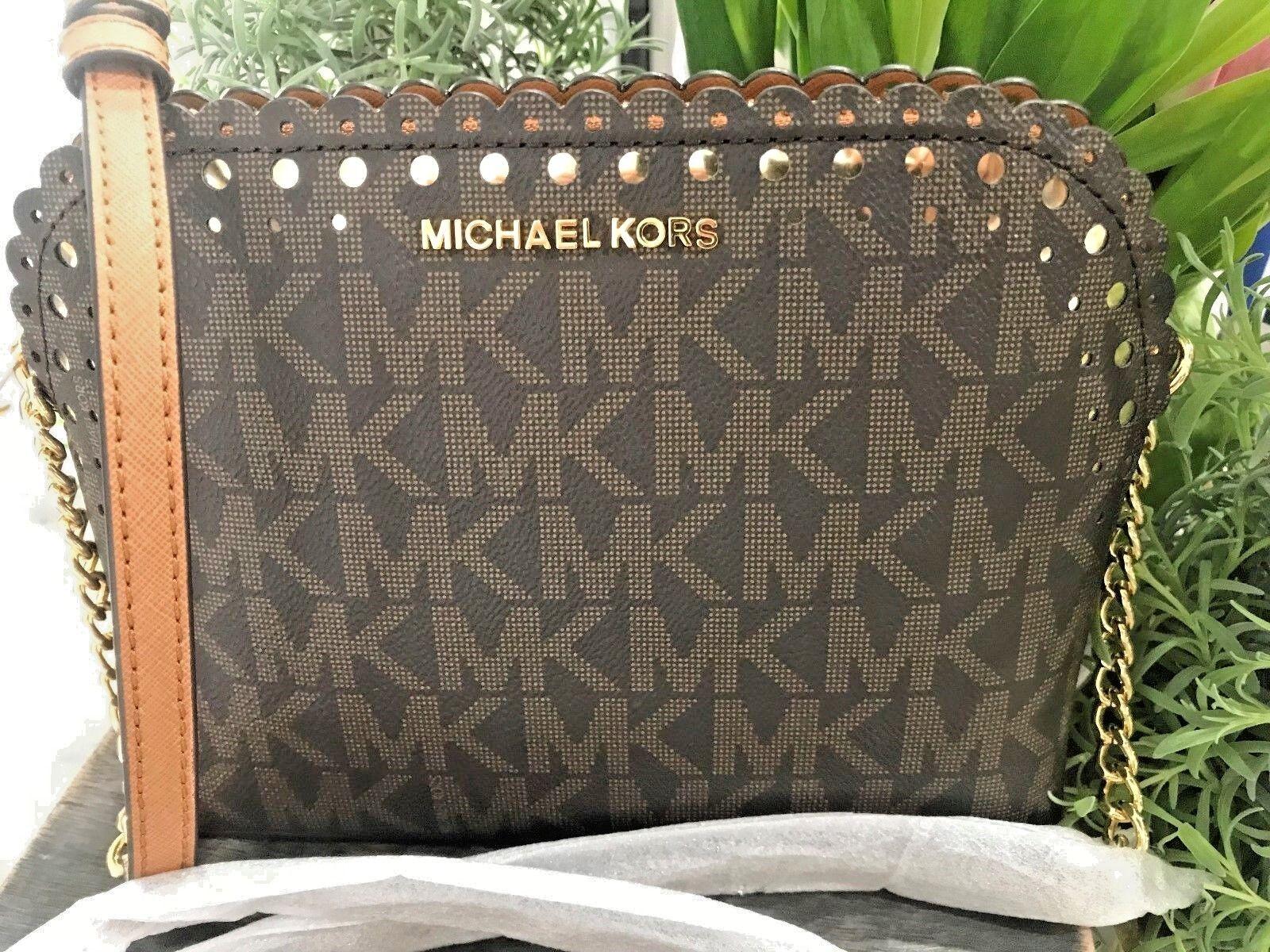 Michael Kors - MICHAEL KORS VIOLET CINDY DOME CROSSBODY BAG IN BROWN SIGNATURE & ACORN SAFFIANO