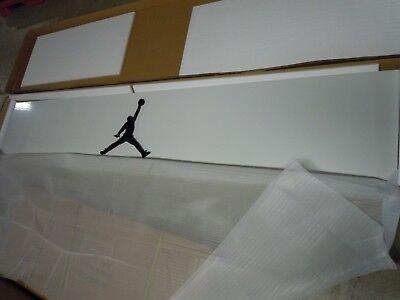 Jordan 365 Slatwall Fixture 8-ft Header In Glossy White Metal