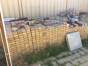 Paving bricks, sealed Spearwood Cockburn Area Preview