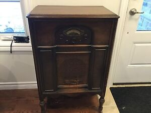 Atwater Kent Antique Radio