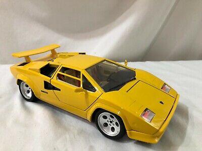 1/18 scale Model BURAGO  Lamborghini Countach 1988 yellow