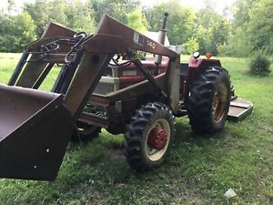 White 1270 4wd Tractor with Loader