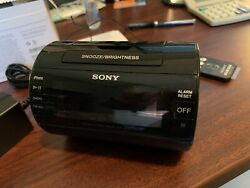 Sony ICF-C11IP iPod/iPhone Lightning Dock Speaker AM/FM Alarm Clock