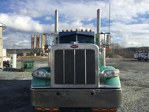 2012 Peterbilt 389 long hood flat top
