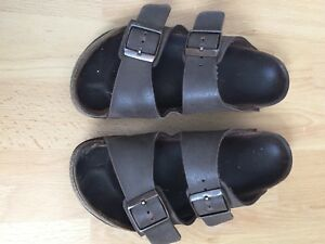 Girls size 2 Birkenstocks