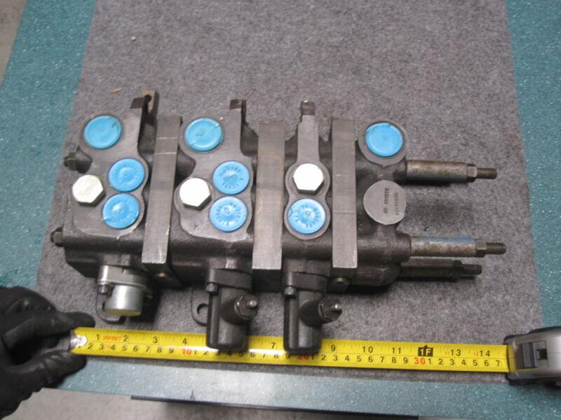 Vickers 02-101222 / 02101222 3 Spool Control Valve New