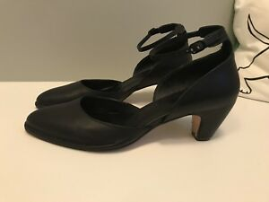Gorgeous Ankle Strap Pumps - Hand Made in Spain