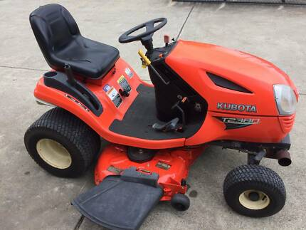 KUBOTA T2380 RIDE ON MOWER