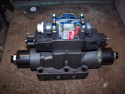 New Columbia Hydraulic Directional Control Valve 350416  3000 Psi 120 Vac