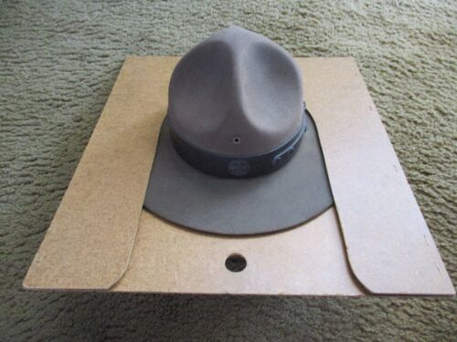 VINTAGE OFFICIAL BOY SCOUTS BSA SCOUTMASTER FELT CAMPAIGN HAT WITH HAT PRESS