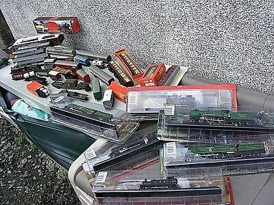 HORNBY TRIANG ETC MODEL RAILWAY ENGINES, COACHES WAGONS , BATTLE SPACE