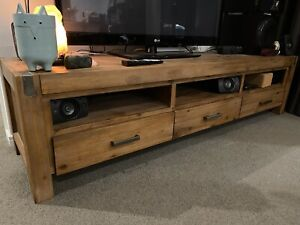 Silverwood tv cabinet. Excellent condition