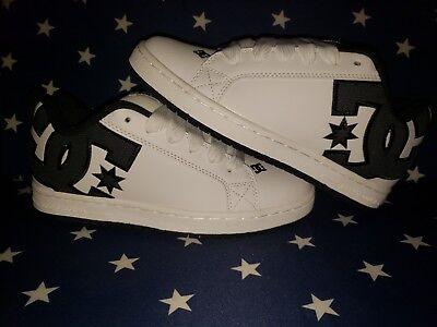 f560152bf4 Men's DC Court Graffik SE Skater Shoe Size 6.5