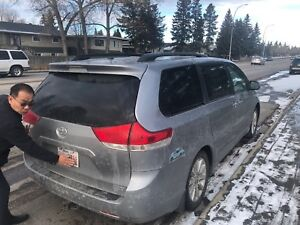 2011 Toyota Sienna Limited, full options