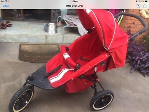 c86a3fde8e60 JOGGING STROLLER IN GOOD CONDITION. VALCO
