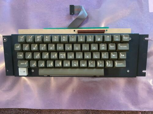 Apple II Keyboard  with Encoder Tested Working (II Plus)