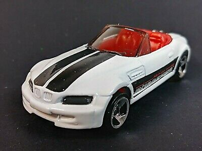 1998 Hot Wheels Mainline #890 BMW M Roadster White 3 Spoke Hub Wheels 1/64 Loose