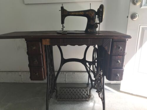 Vintage Antique Singer Treadle Sewing Machine Table Cabinet Cast Iron Stand