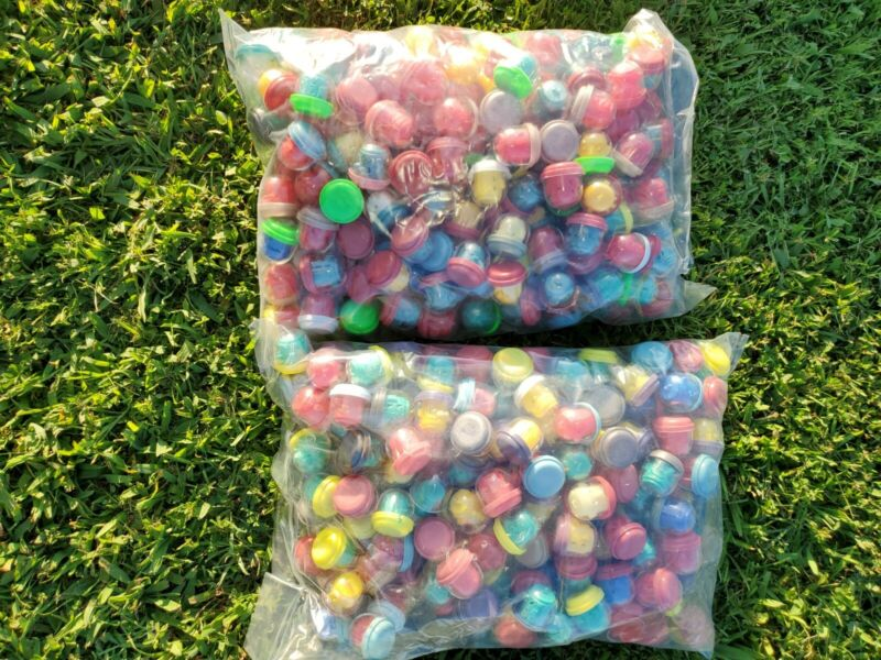 Gumball Totem Pole BULK Toy Lot of 400 Vending Machine Charm in Capsules