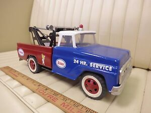 1967-TONKA-ESSO-Auto-Wrecker-Tow-Truck-Pressed-Steel-Toy