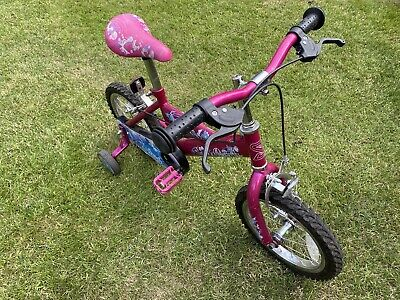 """Girls 14"""" butterfly bike girls Good condition barely used Stabilisers 3-5 Yrs"""