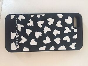 MARC BY MARC JACOBS PHONE COVER