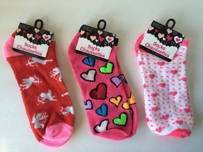 Hearts Cupid Socks Valentines Three Pair Size 9-11 NWT Pink Red