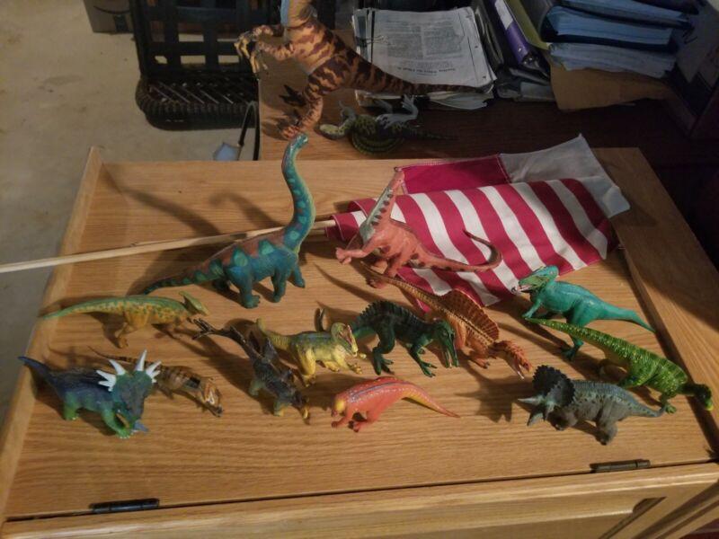 Wild Safari Dinosaurs Collection Lots of 13 Figure Toys 1997