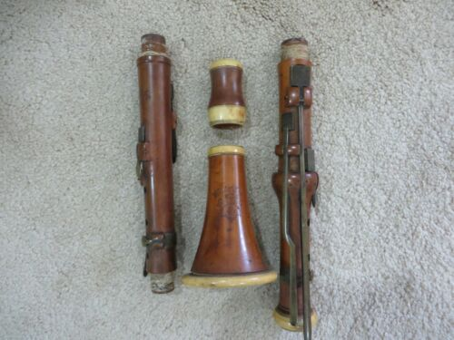 Antique Wood and Ivy Boxwood Clarinet