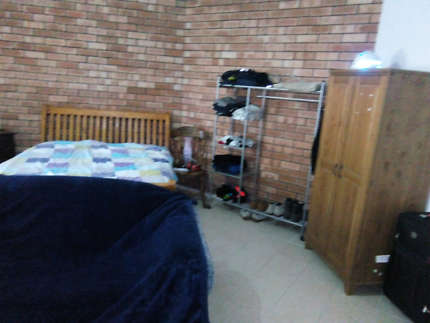 Room share female only cheap