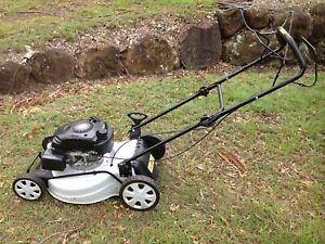Lawnmower Tomahawk 950 series