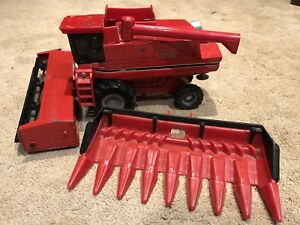 Metal Farm Equipment Toy Tractors Case International