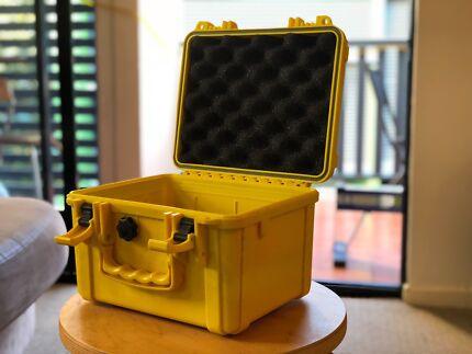 Otterbox Waterproof Drybox Case.