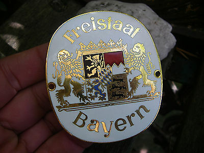 FREISTAAT BAYERN - BAVARIA WAPPEN - schöne emaillierte Auto Plakette Car Badge