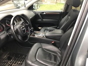 2008 Audi Q7 premium 3.6L Navi/Bluetooth and Aux cable