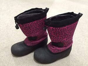 Girls' size 13 snowboots for sale