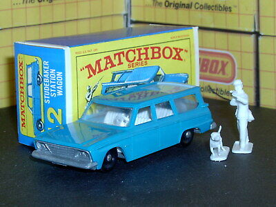 Matchbox Lesney Studebaker Wagonaire 42 b2 figures powd blue SC6 VNM crafted box