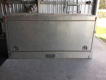 Extra large tool box, full aluminium construction.