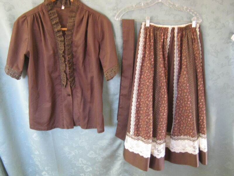 Vintage Carefree Fashions Size Small Floral Print Outfit Skirt & Top Set