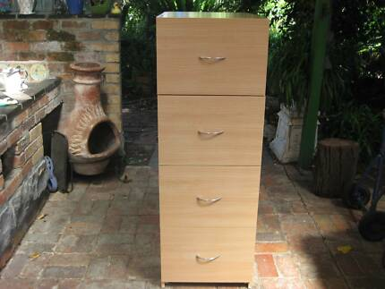 Storage Filing Cabinet (Wood) Near NEW - 4 Drawers(Metal Handles)