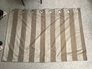 Window curtains with rod