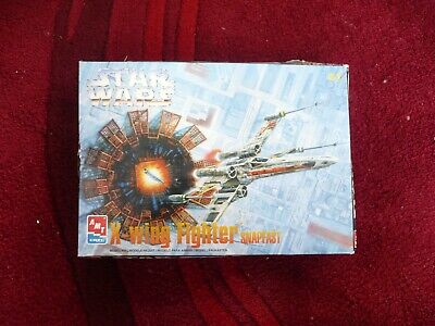 Star Wars X-Wing Fighter - Snapfst Model Kit