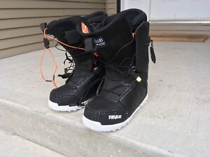 Snowboard boots mens size 10