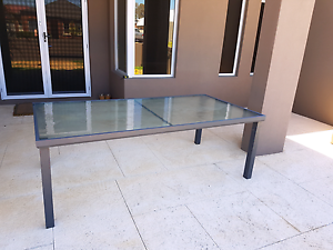 Outdoor table Meadow Springs Mandurah Area Preview