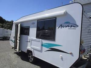 2015 A'van Aspire 525 series 17 ft