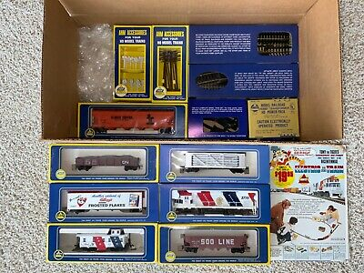 Vintage Never Used NOS AHM Kellogs train set, 1976 Bicentennial with accessories