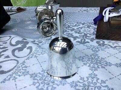 Belle Et Ancienne Cloche de table En Argent.