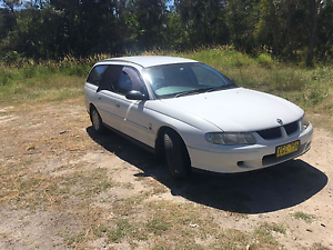 Holden Commodore Station Wagon Backpacker Car Cairns Cairns City Preview
