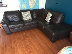 Leather chaise lounge- Chocolate Thirroul Wollongong Area Preview
