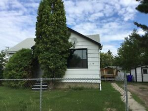 Pet Friendly 3+1 Bedroom Home with Fenced-in Yard